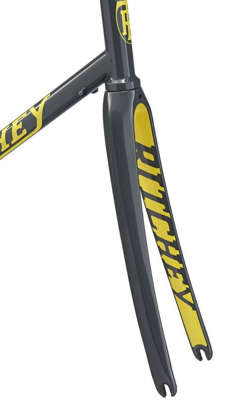 リッチーのスチールロードバイク「ロードロジック」がカラーチェンジ