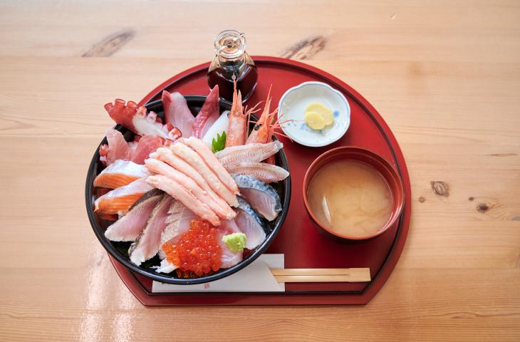 鯛喜の「海鮮丼豪華」