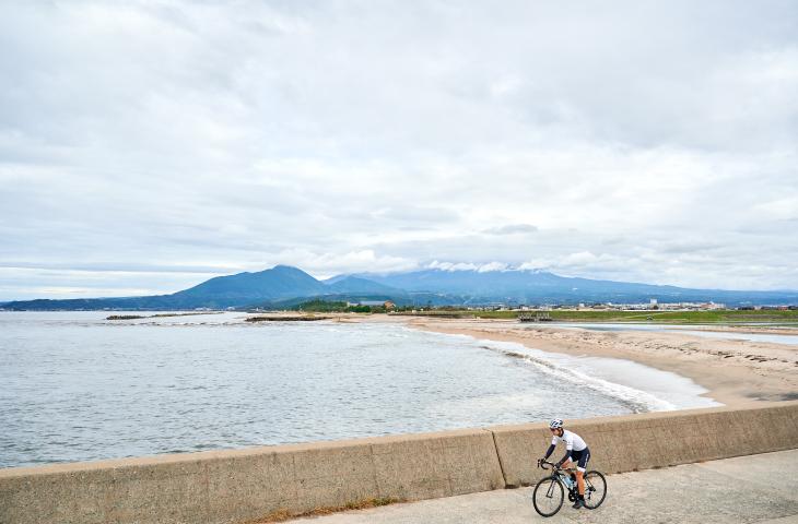 大山と海が見えるスポット
