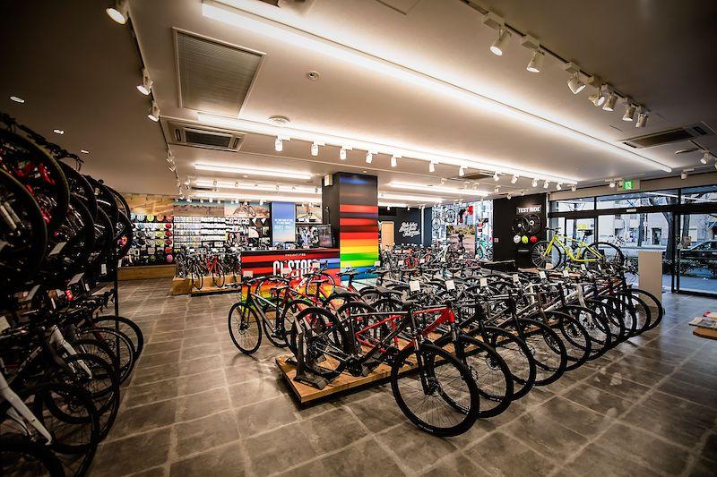 TREK Bicycle 大阪梅田店