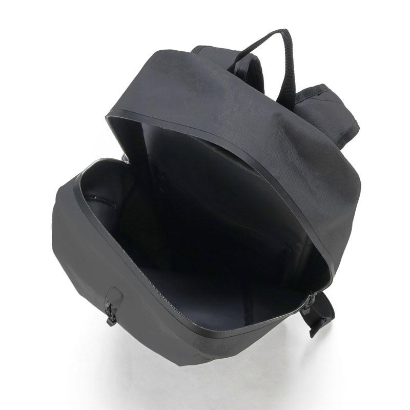 ウォータープルーフ バックパック 18L ブラック
