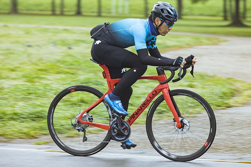 浅野真則:仕事でもプライベートでも自転車漬けの自転車ライター。ロードレースやヒルクライムなど幅広くレースを楽しみ、最近はTTに精力的に取り組んでいる。JBCFエリートツアーにも参戦中。海外のグランフォンドへの参加経験もある。ロングライドやポタリングも好き。