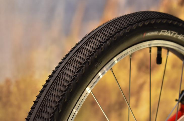 2インチ(50.8mm)幅のタイヤ