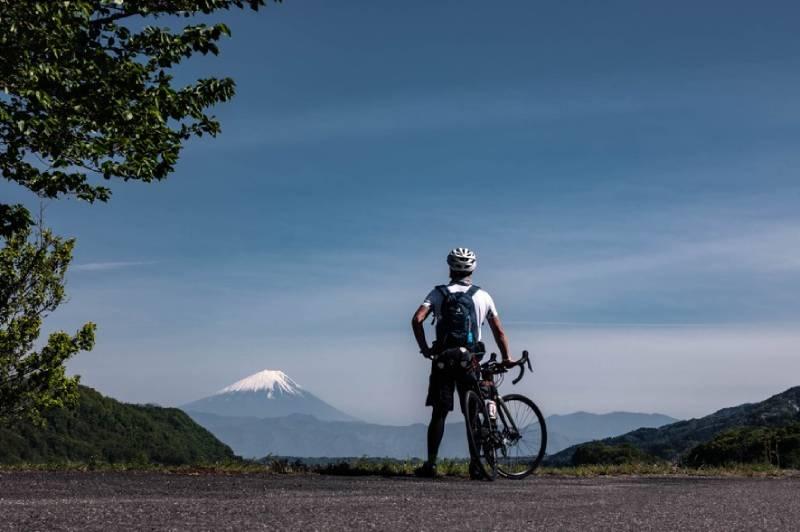 富士山とシシャチョー