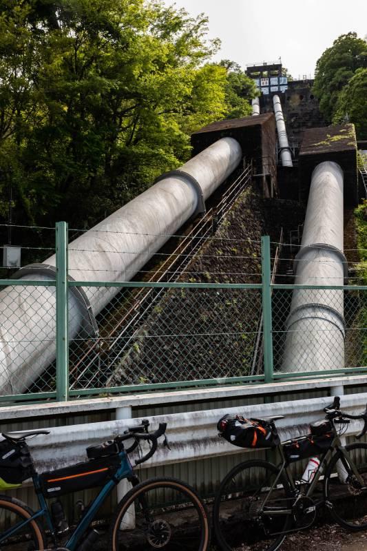 旧甲州道中の水力発電所