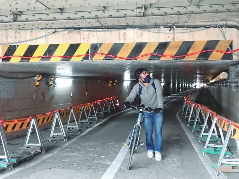 高輪橋架道橋下のトンネル