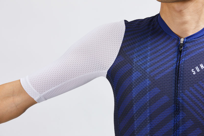 「クールメッシュ半袖ジャージ」の袖の様子