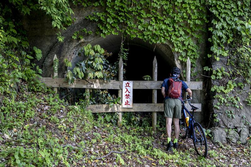 佐渡金山のトンネル
