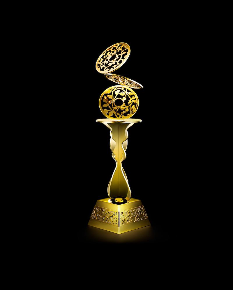 年間チャンピオンに与えられるトロフィーは、ニューヨークに拠点を置く松山智一氏がデザイン
