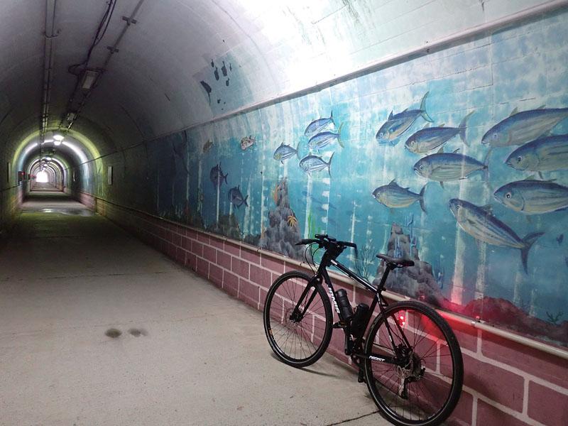 歩行者用トンネル