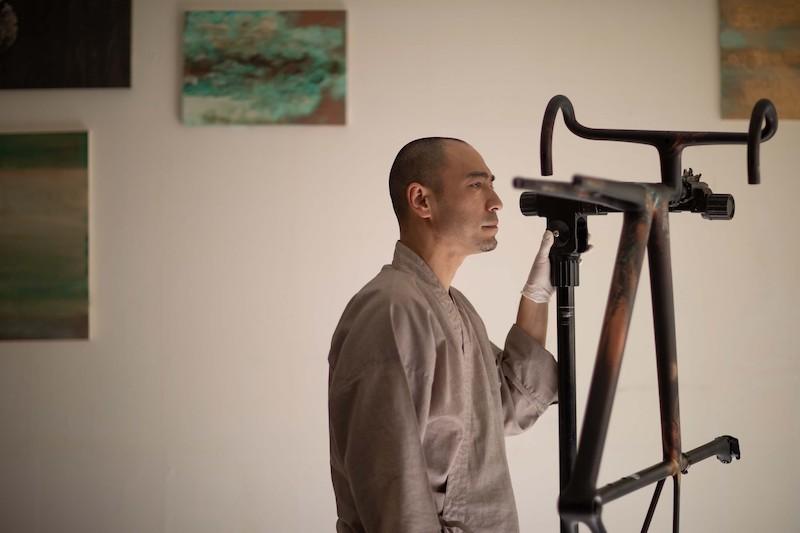 スペシャライズド「エートス」のアート作品を展示