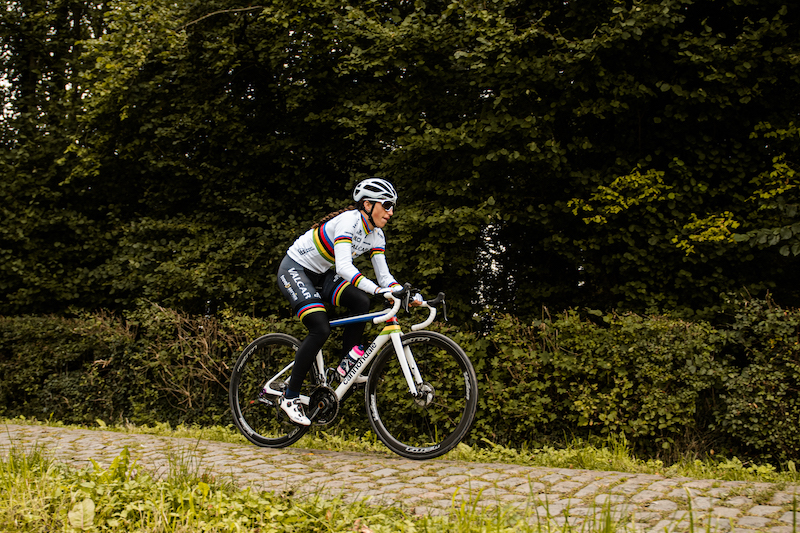 エリーザ・バルサモ 世界チャンピオンバイク
